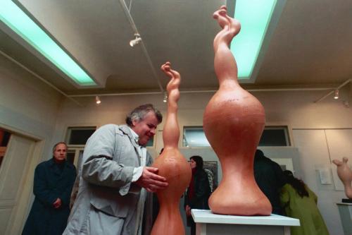 """Изложба за зрящи и незрящи в галерия """"Арт-вип"""" , Русе, 2002"""