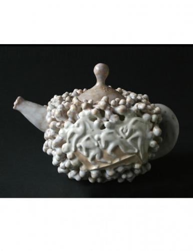 """""""Пластика 2"""", 2010, каменина, глазура, 14х17х11 см."""